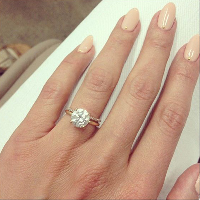 cat-deeley-nude-manicure-engagement-ring