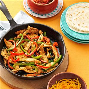 Flavorful-Chicken-Fajitas_exps12540_BOS3149327B02_08_5bC_RMS